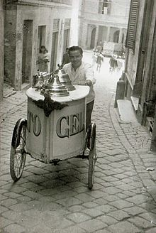 From Torino to Rome, the Italia Gelato Tour celebrates traditional gelato-making in May and June Gelato Ice Cream, Ice Cream Cart, Vintage Photographs, Vintage Photos, How To Make Gelato, Italian People, Vintage Italy, Frozen Treats, Black And White Photography