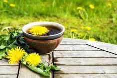 How Dandelion Root Tea Benefits Health Dandelion Root Tea, Dandelion Flower, Dandelion Leaves, Dandelions, Kidney Detox Cleanse, Liver Detox, Herbal Remedies, Home Remedies, Natural Remedies