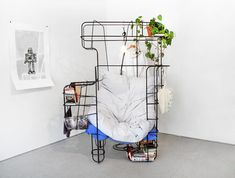michael-tomalik-fort-idol-chair-designblok-designboom-08.jpg