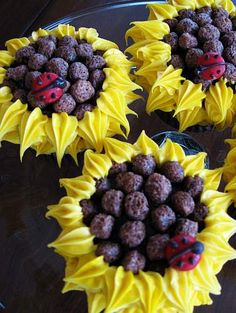 i thought the oreo sunflowers were cool -- until i saw the cocoa puff sunflowers!