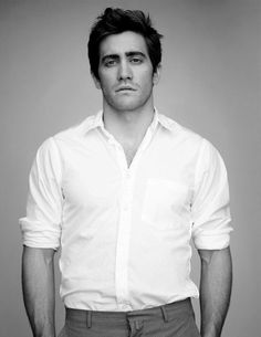 Jake Gyllenhal (I'm gonna pretend that whole Brokeback Mountain thing never happened...sooo NOT hot)