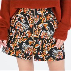 NEW ZARA SKIRT WITH FRONT ZIPPER fun print for upcoming fall! never worn without tags. Zara Skirts