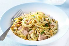 Turn a tin of tuna, a packet of pasta and a couple of lemons into a nutritious, tasty and fast weeknight meal. Tuna Recipes, Pasta Recipes, Cooking Recipes, Healthy Recipes, Free Recipes, Tuna Spaghetti Recipe, Tuna Pasta, Weeknight Meals, Quick Meals