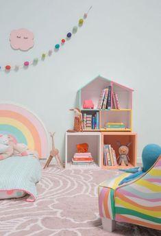 Pattern Adventures: A Rainbow Bedroom! / via Oh Joy! Pattern Adventures: A Rainbow Bedr Rainbow Bedroom, Rainbow Room Kids, Rainbow Wall, Ideas Habitaciones, Montessori Bedroom, Design Poster, Big Girl Rooms, Playroom, Toddler Bed