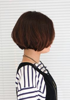 Side View of Sweet Short Bob Hairstyle