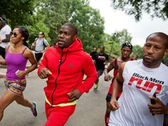 Kevin Hart leads an impromptu 5K run he organized on social media through Piedmont Park in Atlanta.   David Goldman, AP