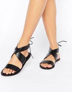 Sandalias planas de cuero con cordones FRECKLES de ASOS