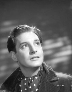 Old Hollywood Glamour, Hollywood Actor, Hollywood Stars, Classic Hollywood, Robert Donat, Old Film Stars, My Babysitter, Japanese Film, Love Film