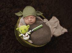 Baby photos newborn yoda Star Wars Anna-Marie Photography