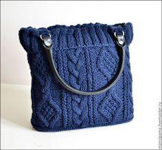 Купить или заказать Сумка 'Джейн' в интернет-магазине на Ярмарке Мастеров. Сумка 'Джейн' связана из полушерсти, приятная, нежная, не колется! Объёмные узоры смотрятся элегантно и привлекают внимание)) Темно синий цвет - это всегда изысканно и благородно! Такая сумочка будет радовать вас не один сезон!)) Внутри двойной подклад, есть кармашки,дно плотное,сумка застёгивается на магнитные кнопки. Возможно исполнение с застёжкой на молнию. Ручки из натуральной кожи.