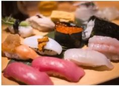 Sushi, Origami, Ethnic Recipes, Food, Essen, Origami Paper, Meals, Yemek, Origami Art