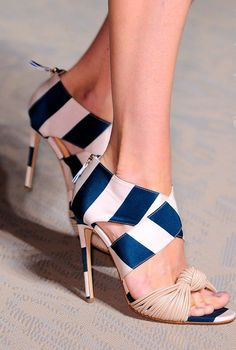 Matthew Williamson.Spring 2015 RTW | Shoes with <3 from JDzigner www.jdzigner.com