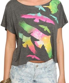 Bird Graphic tee whoa, kinda reminds me of the crows in DIVERGENT but the shirt itself is really cool.