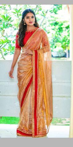 You Can Shop Stunning Celebrity Ethnic Outfits Here! Saree Draping Styles, Saree Styles, Indian Beauty Saree, Indian Sarees, Saree Dress, Sari, Lace Saree, Golden Saree, Saree Hairstyles