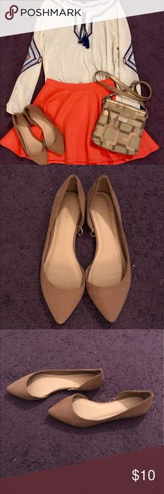 Forever 21 Suede Pointed Flats Great condition tan pointed faux suede flats from Forever 21. Sze. 7W. Feel free to make an offer or ask questions! Bundle and save! Forever 21 Shoes Flats & Loafers