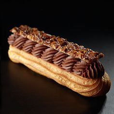 images of eclairs Delicious Desserts, Dessert Recipes, Chocolate Shop, Chocolate Pastry, Chocolate Eclairs, Chocolate Cake, French Patisserie, Logo Patisserie, Choux Pastry