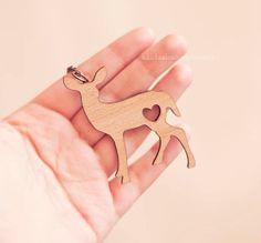 Necklace Love Deer wooden fawn pendant por PetiteDeer en Etsy, €11.00
