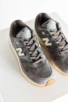 New Balance 90S Solid 530 Running Sneaker