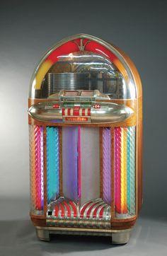 Colorful Vintage Wurlitzer Jukebox <3 Wish I had this one!