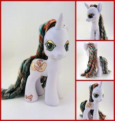 Yule Song - a custom pony by hannaliten.deviantart.com on @deviantART