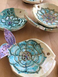 Ceramic Soap Dish, Ceramic Clay, Glazes For Pottery, Ceramic Pottery, Polymer Clay Kunst, Beginner Pottery, Slab Ceramics, Clay Cats, Pottery Handbuilding