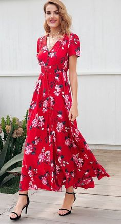 Red Printed Maxi Dress  This dress can be dressed down or up. Wear with heels or your favorite sneakers. Love this look and the color is so vibrant.   #maxidress #floral #reddress #red #printed #dress #dresses #cutedress #floraldreass #maxi