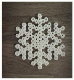 julpyssel pärlor snöflinga