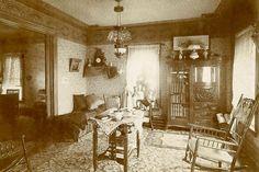 Larry Manfredi America in the 1910s Grandma's living room. 1909..♡♡♡
