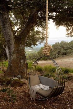 Backyard Hammock Ideas -Stocking a hammock is just one of the most enjoyable things worldwide. Check out lazy-day backyard hammock ideas! Outdoor Hanging Bed, Hanging Swing Chair, Swinging Chair, Outdoor Decor, Hanging Chairs, Outdoor Living, Hanging Beds, Diy Hanging, Outdoor Beds