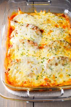 Easy Eggplant Parmesan Easy and delicious eggplant parmesan recipe loaded with mozzarella and parmesan cheese and served over pasta. Vegetable Side Dishes, Vegetable Recipes, Vegetarian Recipes, Cooking Recipes, Healthy Recipes, Egg Plant Recipes Easy, Easy Eggplant Recipes, Eggplant Casserole Recipe, Casserole Recipes