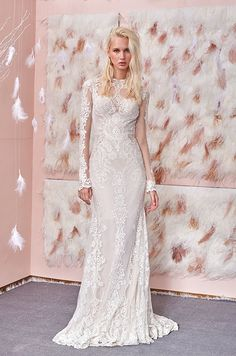 We continue our look at our favourite bridal collections of Bridal Fashion Week, with a first look at the 2017 Gala by Galia Lahav wedding dress collection. Slinky Wedding Dress, Lace Wedding Dress With Sleeves, Wedding Dress Sizes, Perfect Wedding Dress, Bridal Dresses, Bridal Dress Design, Bridal Style, Style Bobo Chic, Bridal Reflections