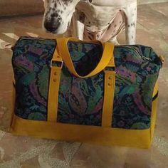 Sac weekend Boston bleu et jaune cousu par Patricia - Patron Sacôtin