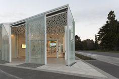 Christchurch Botanic Gardens visitor centre. Photograph by Simon Devitt.