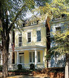 Apartments Fan District Richmond VA | ... /FDOOR/0-City-Pages/Richmond/Fan_Neighborhood1_Richmond_CVB_54592.jpg
