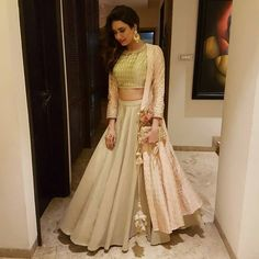 😍😍 Dressup urself with this beautiful indo lehnga Fabric : ✨Tapeta silk lehnga ( 3 meter flair ) ✨Jaipuri silk blouse with border work ( unstitch ) ✨Jaipuri koti (stitch upto Price : 1850 INR ONLY For order booking whatspap : 9054562754 Choli Designs, Lehenga Designs, Blouse Designs, Indian Dresses, Indian Outfits, Choli Dress, Garba Dress, Sangeet Outfit, Designer Party Wear Dresses