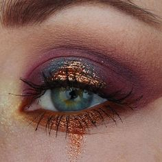 Eye Makeup Tips – How To Apply Eyeliner – Makeup Design Ideas Makeup Goals, Makeup Inspo, Makeup Art, Makeup Inspiration, Hair Makeup, Makeup Ideas, Eyeshadow Makeup, Gold Makeup, Blue Eyeshadow