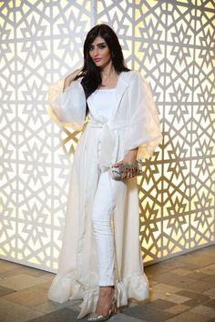 Hijab Fashion : An Exclusive Ramadan-Themed Photo Shoot With Nadine Kanso Khulood Thani and Others