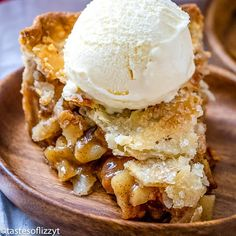 Homemade Apple Pie Recipe {Hints for the Best Apple Pie} Apple Pie Recipe Easy, Best Apple Pie, Easy Pie Recipes, Homemade Apple Pies, Apple Pie Recipes, Best Dessert Recipes, Delicious Desserts, Tart Recipes, Cookbook Recipes
