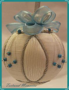 NATAL- bola de natal fantastica em branco e azul * Bolas de Natal - Blog Pitacos e Achados -  Acesse: https://pitacoseachados.com  – https://www.facebook.com/pitacoseachados – https://plus.google.com/+PitacosAchados-dicas-e-pitacos https://www.h2h.com.br/conselheirapitacosachados #pitacoseachados