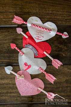 These Cupid's arrow valentines are so quick and easy to make, and they are great if you want to give non-candy valentines this year! (Or use Pixie Stix if you want a candy alternative) Kinder Valentines, Valentine Crafts For Kids, Valentines Day Party, Valentines Day Decorations, Holiday Crafts, Valentine Gifts, Valentinstag Party, Decoration St Valentin, Tarjetas Diy