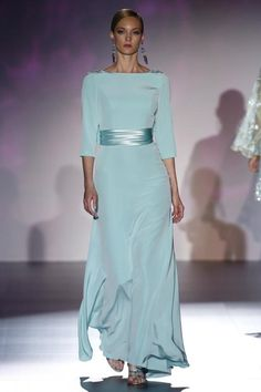 36 super Ideas fashion dresses glamour outfit Source by chic Lovely Dresses, Beautiful Gowns, Robes Glamour, Vetement Fashion, Mother Of Groom Dresses, Evening Dresses, Formal Dresses, Vintage Mode, Couture Fashion