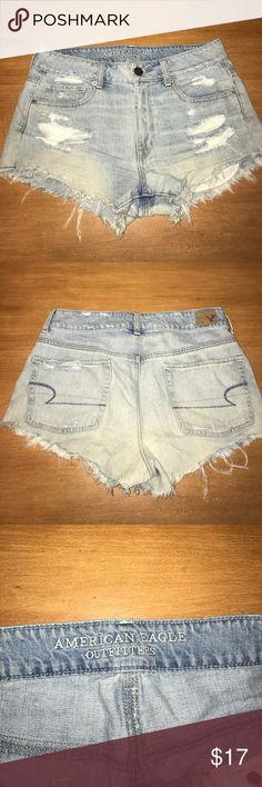 american eagle shorts americna eagle shorts. it doesnt say on the shorts but they are more high waisted. size 6 American Eagle Outfitters Shorts Jean Shorts