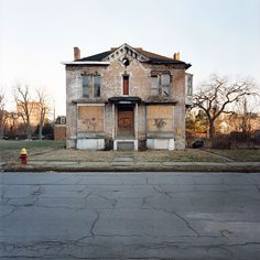 kevin bauman's 100 abandoned houses with soul: home is where you put your heart.