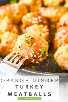 Meal Prep Orange Ginger Turkey Meatballs by Meal Plan Addict. Ready for a simple batch recipe that is lean and delicious?! Bye Bye take out, hello fake out, take out Orange Ginger Turkey Meatballs! Get more Easy Meal Prep Recipes at www.mealplanaddict.com #mealplanaddict #meatballs #mealprep Meal Prep Bowls, Easy Meal Prep, Healthy Meal Prep, Easy Meals, Healthy Recipes, Freezer Meals, Zone Recipes, Freezer Cooking, Easy Turkey Meatballs