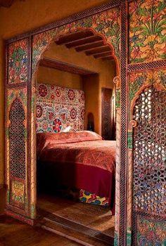 Orientalisches Schlafzimmer gestalten - wie im Märchen wohnen chambre marocaine lit marocain Moroccan Style Bedroom, Moroccan Interiors, Moroccan Design, Moroccan Decor, Moroccan Lanterns, Moroccan Tiles, Moroccan Wall Stencils, Turkish Tiles, Portuguese Tiles