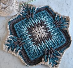 Elements Cal started in December 2017 and has been a hit ever since then. This beautiful square is an absolute must have this winter. Designed by talented crochet designer Sandra Kuijer.