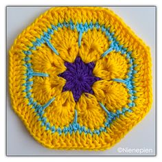 African Flower Octagon - Free crochet pattern in English and Dutch by Nina Tearney.