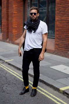 Men's Street Style London - never go wrong with a white t...and pick-me-up socks