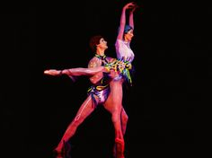 Ever-lasting impressions expressed with great poise. ( La Nouba by Cirque du Soleil )  http://cirk.me/1wrtffv