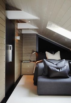 Holiday Home Interior, guest bedroom — Christian's & Hennie - www. Interior Work, Interior Design Studio, Home Interior, Loft Stairs, Mountain Cabins, Winter Cabin, White Sofas, Cabin Interiors, Modern Spaces
